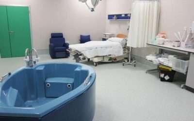 Dilatar en la bañera para aliviar el dolor del parto