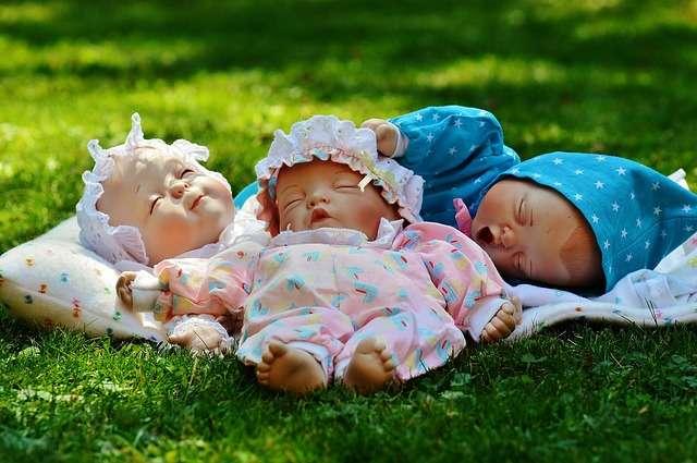 cómo dormir con calor con un bebé siesta verano