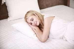 madre posparto mujer dormir sueño