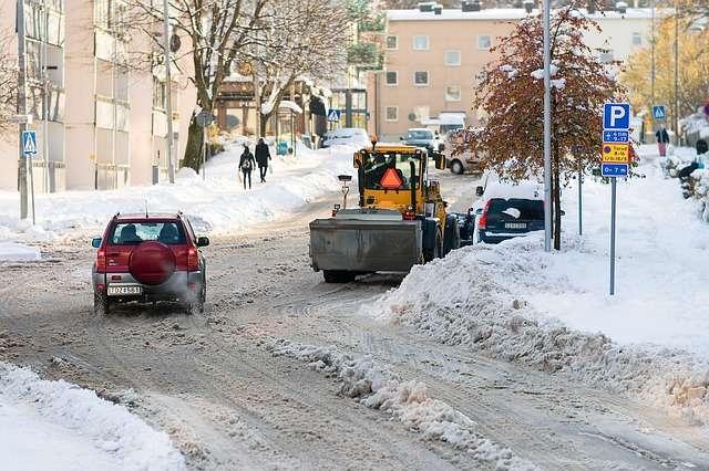Ola de frío: 10 consejos para viajar en coche con nieve