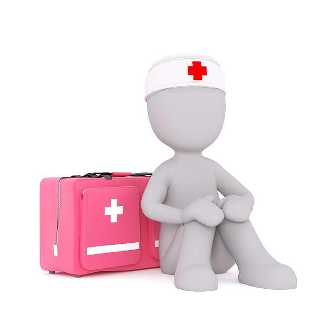enfermero con maleta salud enfermedad primeros auxilios medico