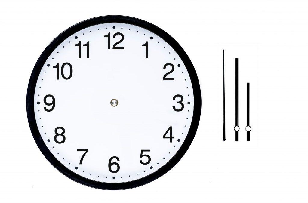 reloj sin manillas reduccion jornada horario conciliar