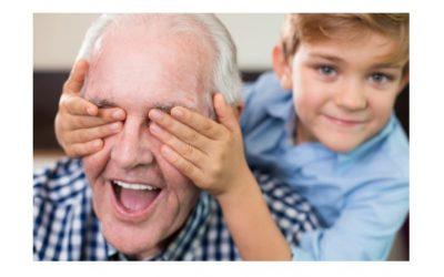 Una escuela de Abuelos para facilitar la relación con los nietos