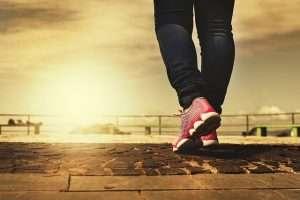 mujer correr ejercicio zapatillas deporte