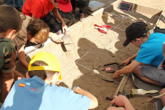 arqueólogos por un día talleres niños en arena