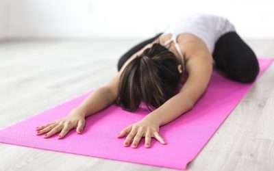 Abdominales hipopresivos, pilates, natación y estiramientos para recuperar la línea después del parto
