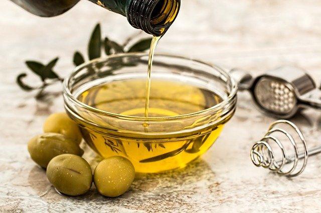 aceite de oliva comida sanaa